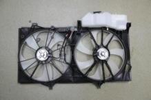 Диффузор радиатора в сборе c расширительным бачком TOYOTA Camry V50 (2011-нв)
