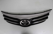 Решетка радиатора с эмблемой Toyota Avensis III рестайлинг (2012-2015) Оригинал