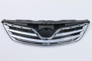 Решетка радиатора Toyota Corolla E150 (2010-2013) черная с хромом