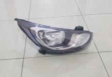Фара правая Hyundai Accent / Solaris (2010-2014)