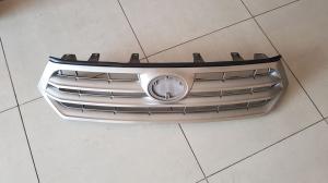 Решетка радиатора Toyota Highlander (2010-2013)