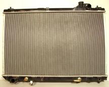 Радиатор основной Toyota Highlander (2000-2003) / Kluger (2000-2007) / Sienna (1998-2003) / Harrier / Lexus RX300 (1997-2003)